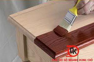 Sơn bàn gỗ