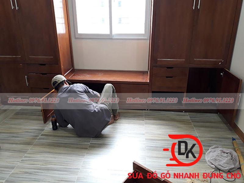 Thợ làm sàn gỗ