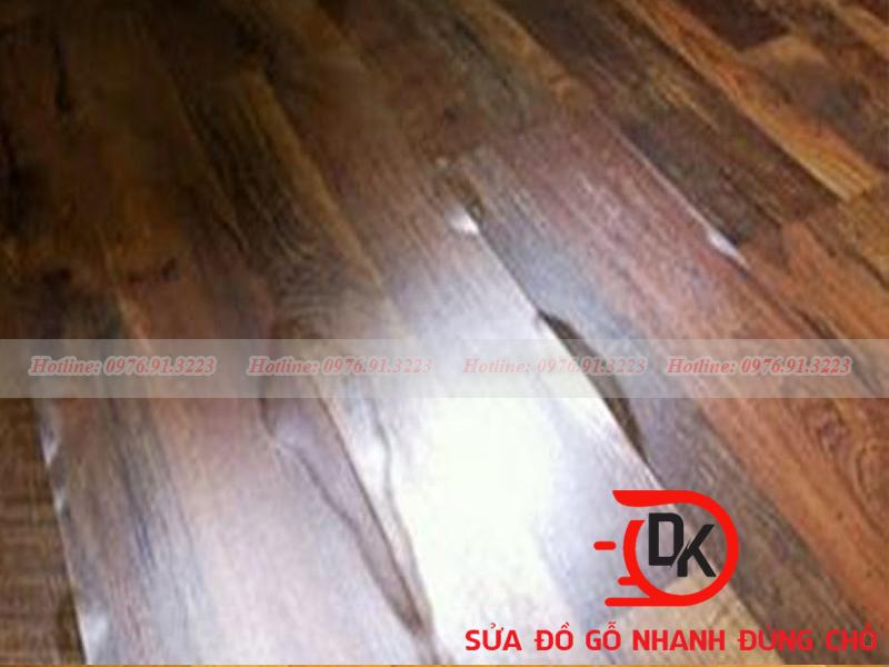 Sàn gỗ bị xuống cấp