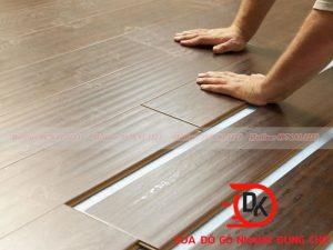 Sàn gỗ công nghiệp bị xước