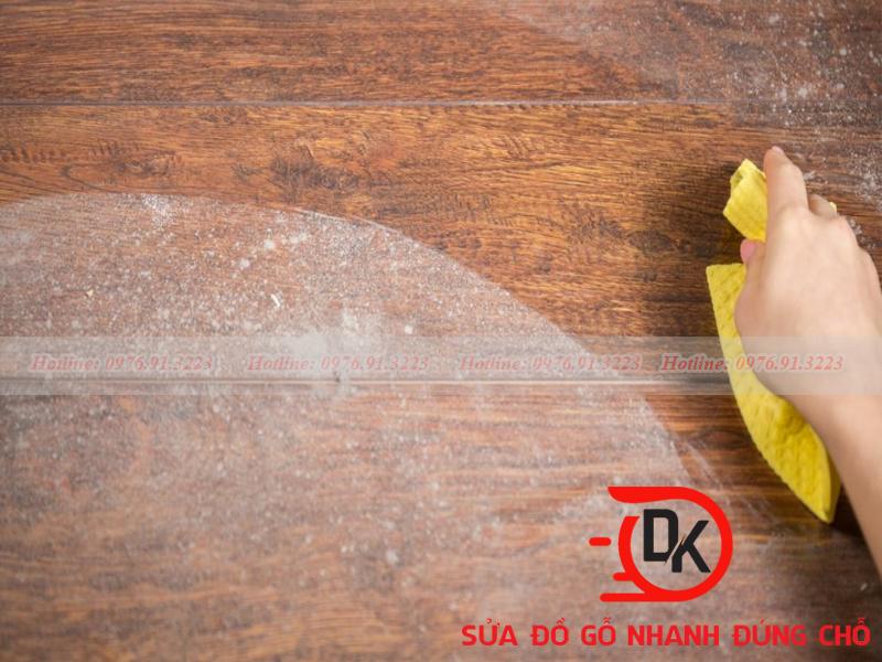 Cách khắcCách phục sàn gỗ bị ngấm nước