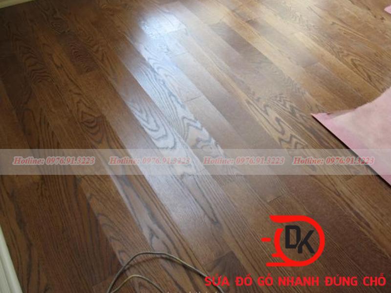 Sàn gỗ công nghiệp bị phồng rộp, mối mọt