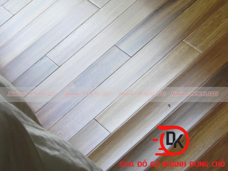 Sửa sàn gỗ bị phồng