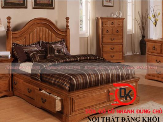 Giường gỗ phong cách cổ điển