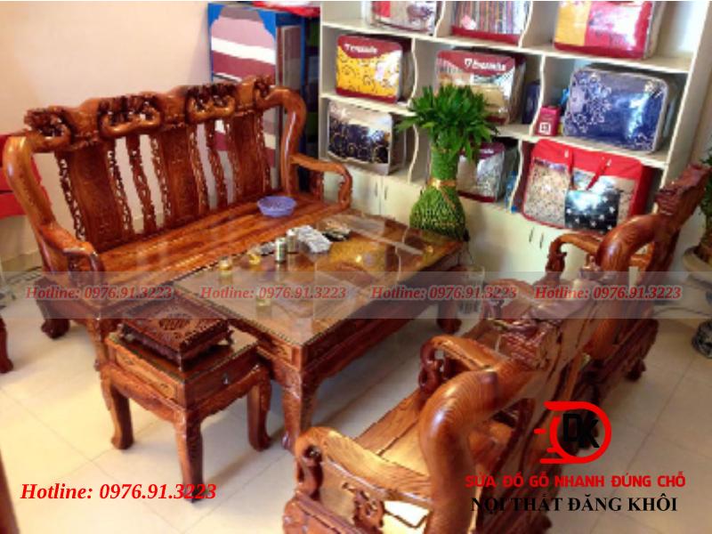 Bàn ghế phòng khách gỗ bán cổ điển