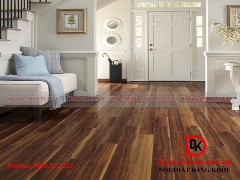 Sàn gỗ dán công nghiệp với gỗ Sồi